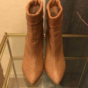 Loeffler Randall Emory/wave/ankle booty/11